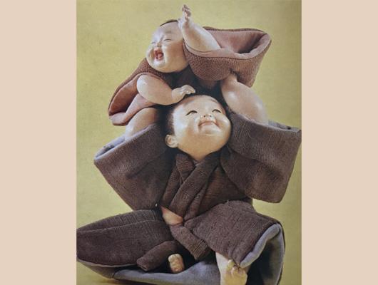 平田郷陽メイン画像-戯れる児